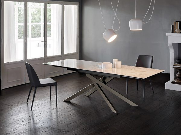 Tavoli Sedie E Tavolini